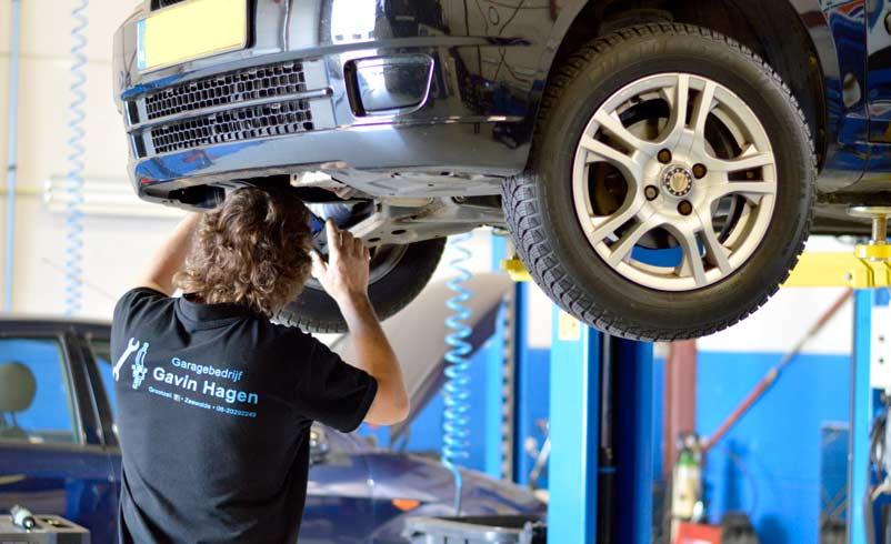 Auto reparatie, onderhoud en onderhoudsbeurter - Autogarage Zeewolde